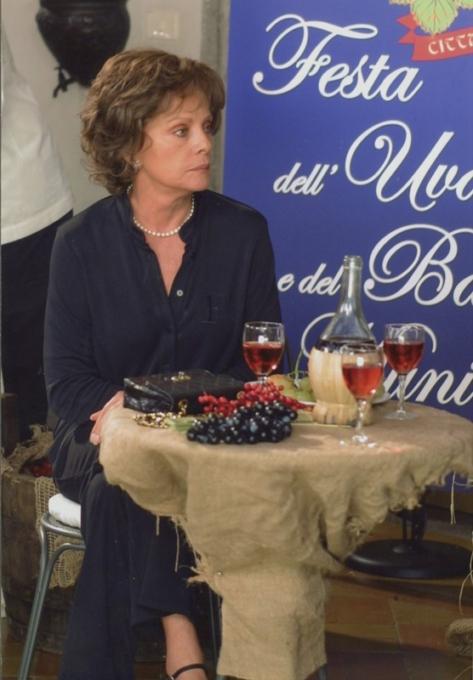 Virna Lisi, Caterina e le sue figlie, Fiction Canale 5, 2004