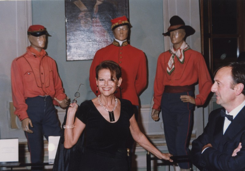 F.Petrucci e Claudia Cardinale, inaugurazione mostra Gattopardo, 12.10.2001